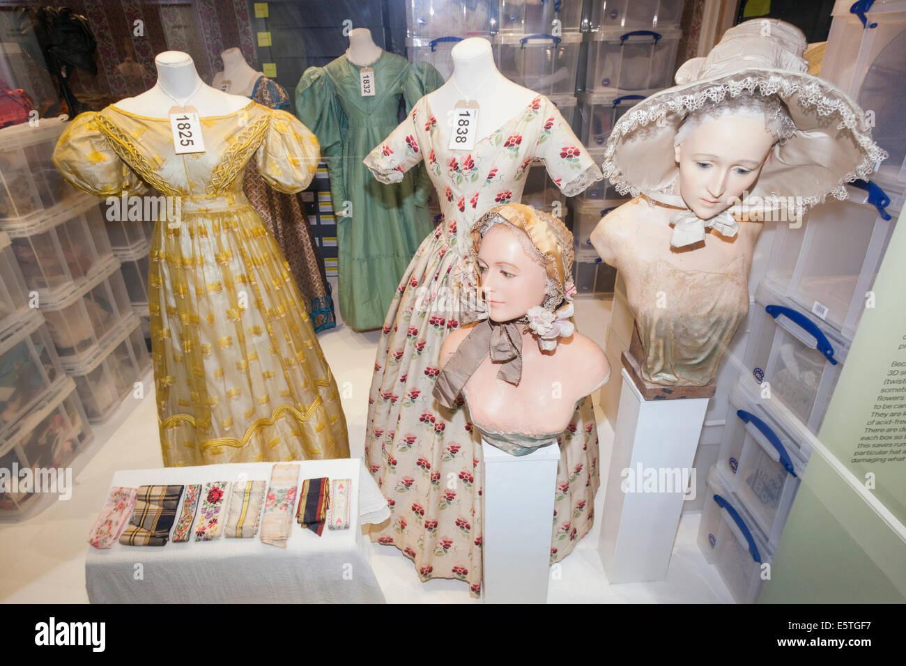 19th Century Fashion Stock Photos & 19th Century Fashion