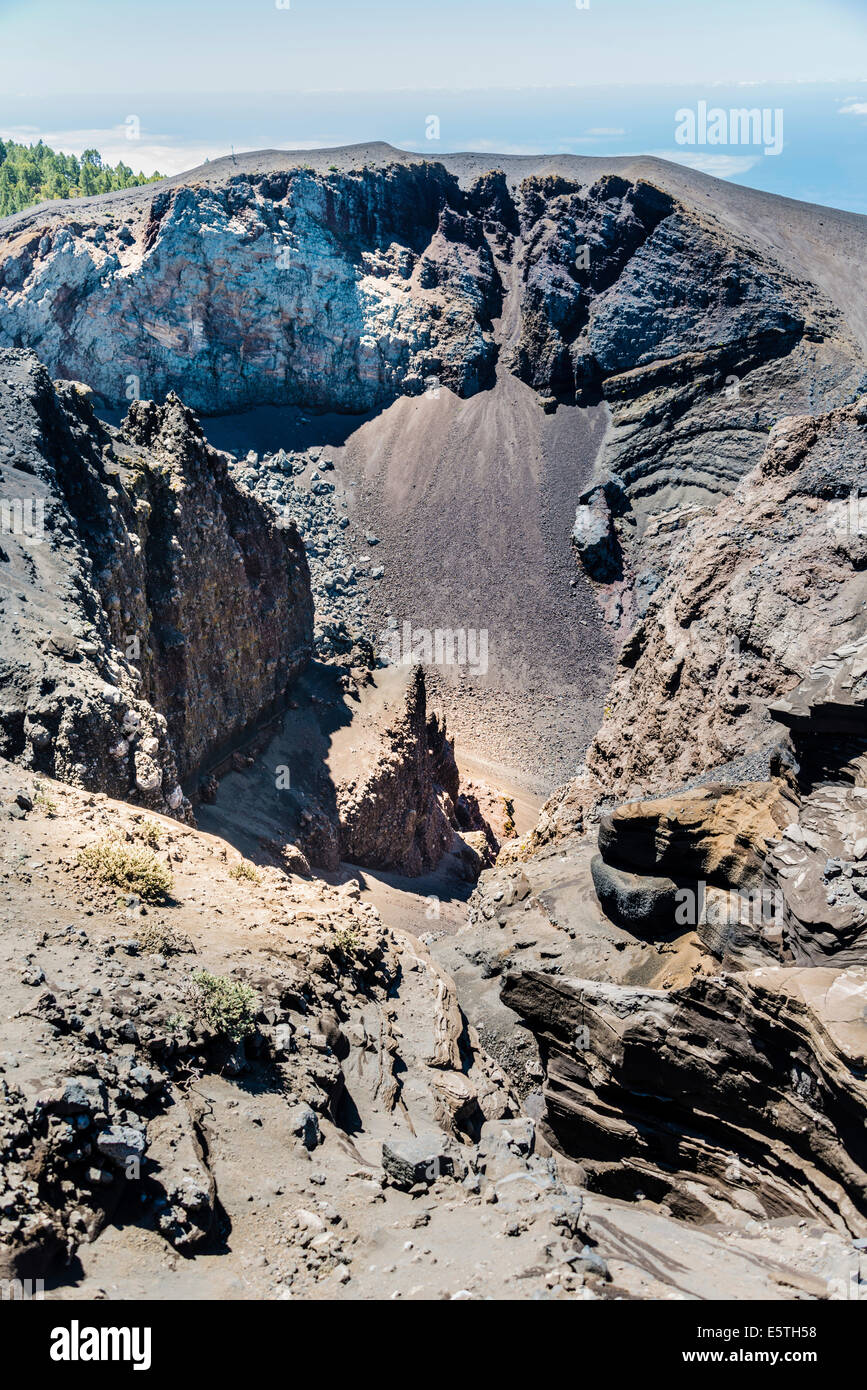 Hoyo Negro volcano crater, 'Ruta de los Volcanes', Volcano Route, Cumbre Vieja Nature Park, La Palma, Canary - Stock Image