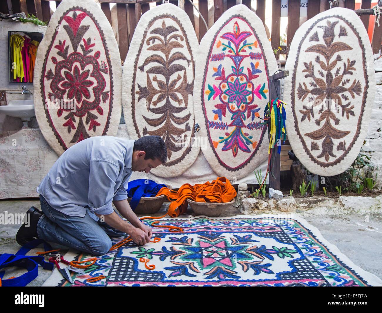 Felt carpet maker Selçuk Turkey - Stock Image