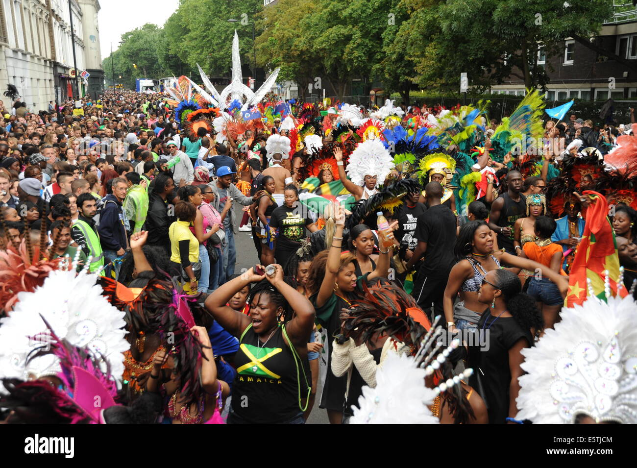 Crowds at Notting Hill Carnival 2012 - Stock Image