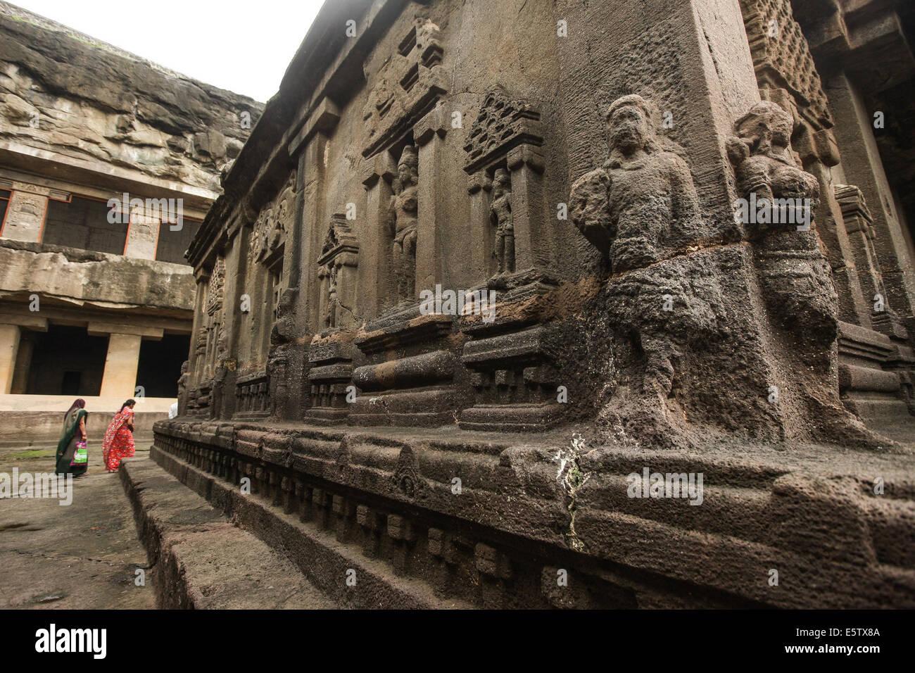 Maharashtra, India. 6th Aug, 2014. Tourists visit the ellora caves near Aurangabad in Maharashtra, India, Aug. 6, - Stock Image