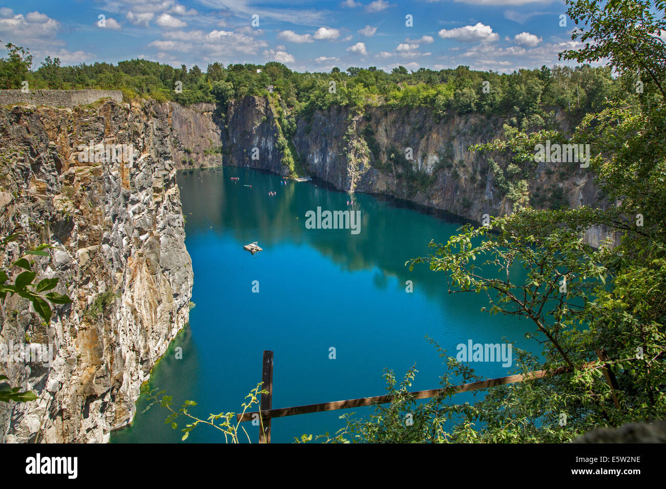 Lake in old porphyry quarry Carrière De Cosyns, now a dive spot in Belgium, Lessines / Lessen, Hainaut, Belgium - Stock Image