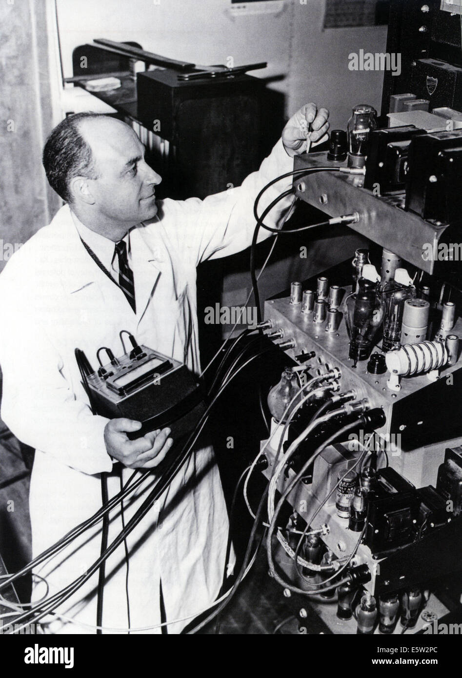 ENRICO FERMI (1901-1954) Italian physicist in 1948 while working on he particle accelerator at Chicago University - Stock Image