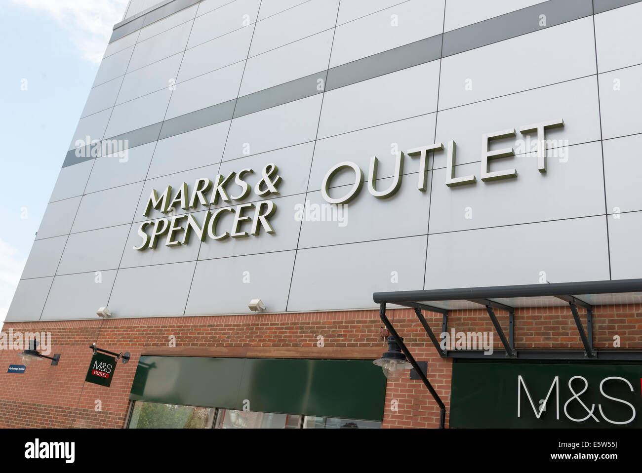 shop front Marks & spencer outlet store at gunwarf quays in portsmouth - Stock Image
