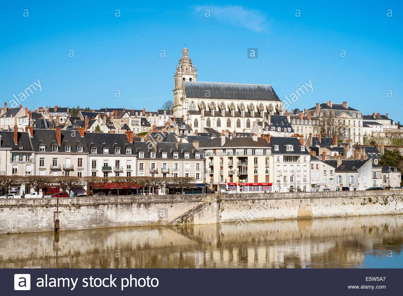 Town of Blois and Cathédrale Saint-Louis on the Loire River, Loire-et-Cher, Centre, France - Stock Image