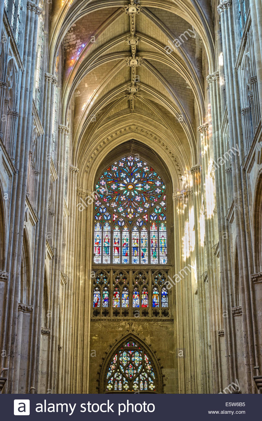 Interior nave of Cathédrale Saint-Gatien cathedral and stained-glass windows, Tours, Indre-et-Loire, Centre, - Stock Image