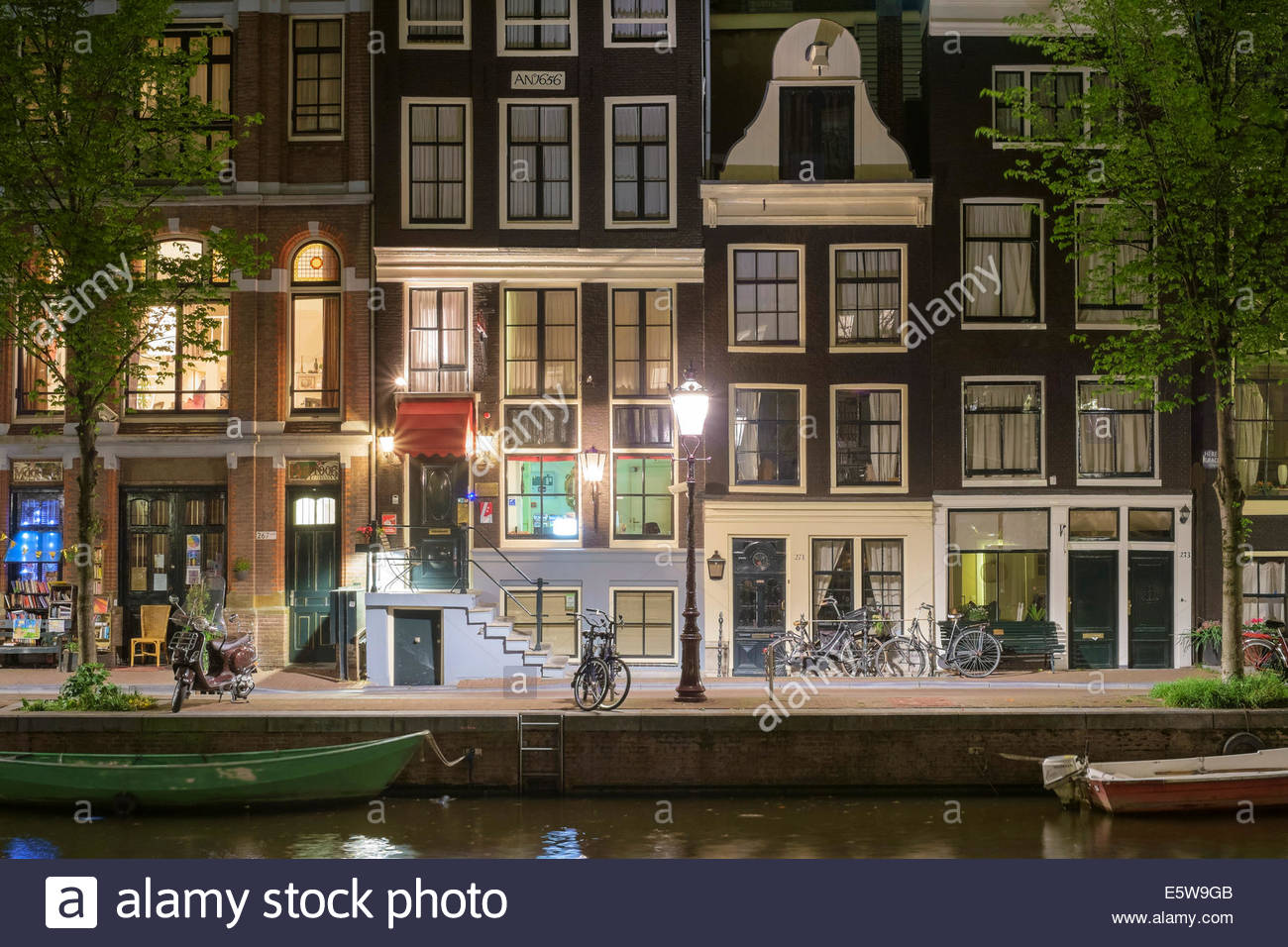 Canal houses along Herengracht in central canal ring Grachtengordel, Amsterdam, North Holland, Netherlands - Stock Image