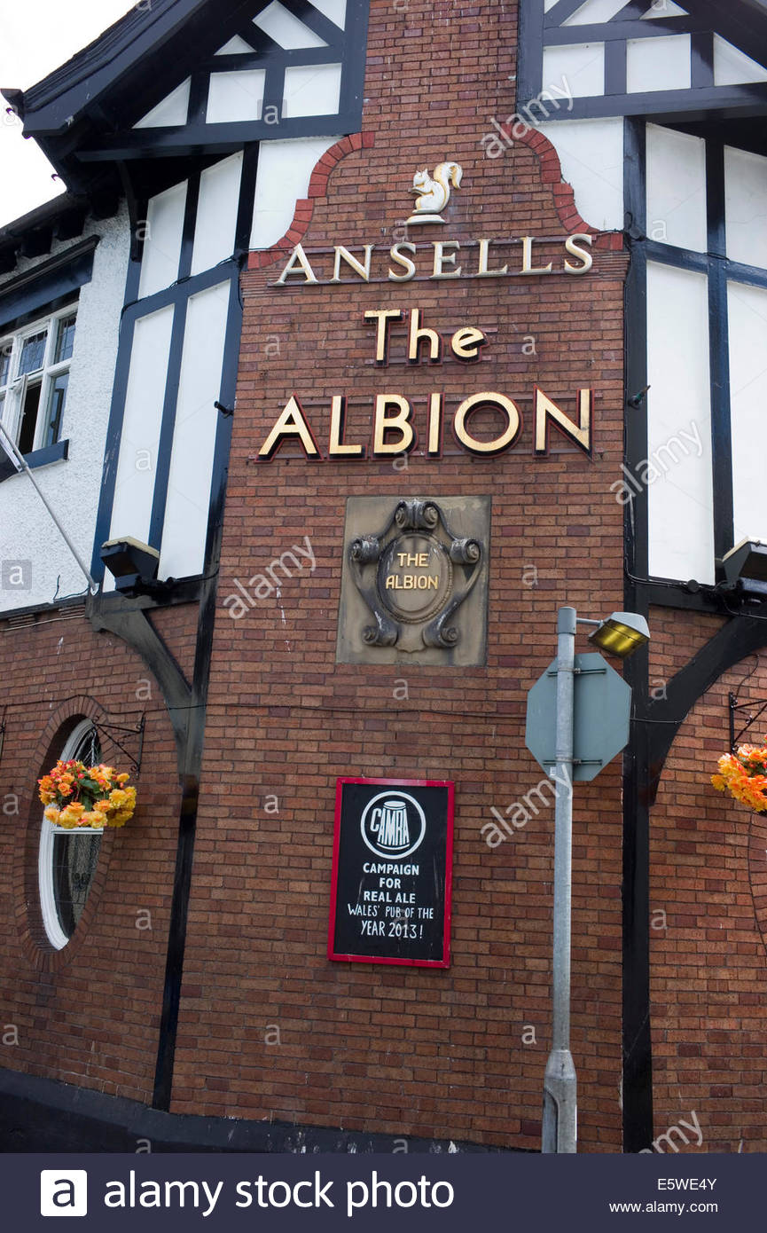 The Albion pub, Conwy, North Wales, UK. The pub is run by four local breweries and is the 'CAMRA' Welsh - Stock Image