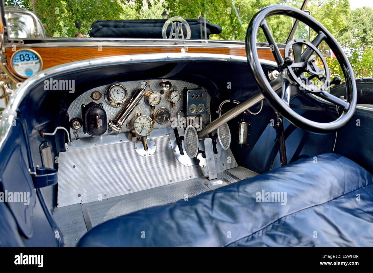 1912 Vauxhall A Type classic car - controls - Stock Image