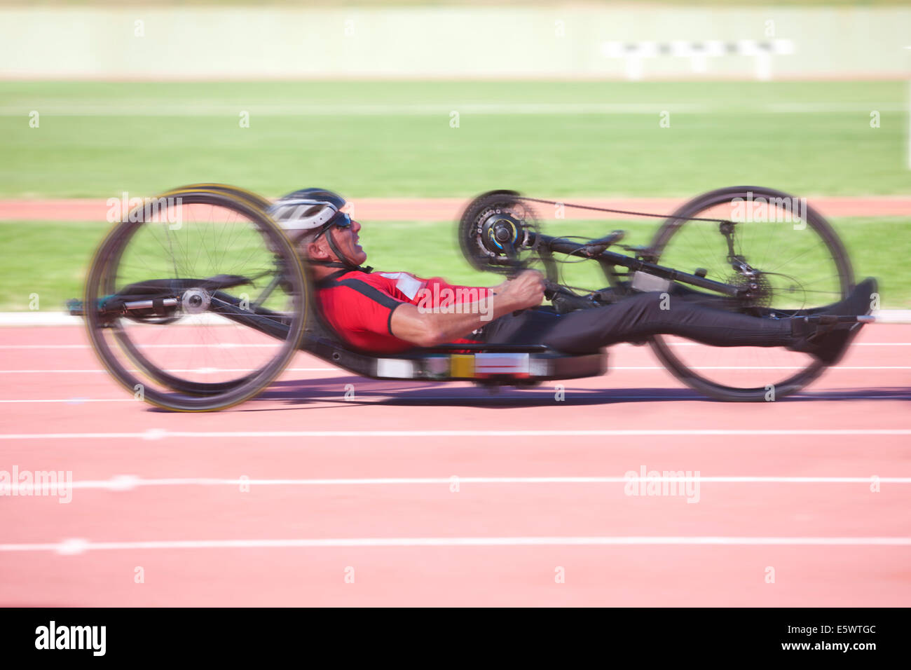 Cyclist in para-athletic competition - Stock Image