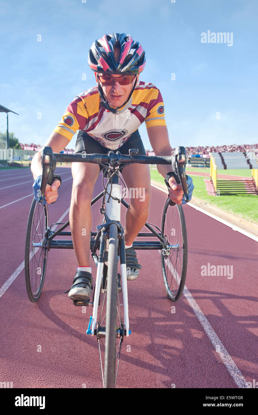 Cyclist at start line in para-athletic competition - Stock Image