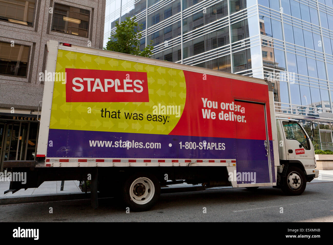 Staples delivery truck - USA - Stock Image