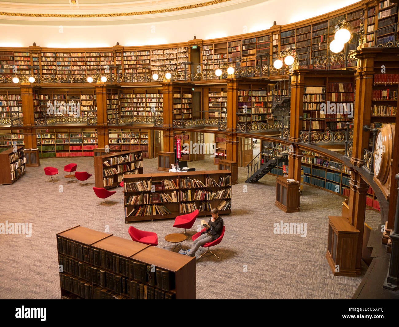 Liverpool Central Library. Picton Reading Room, Traditional interior of reference library Stock Photo