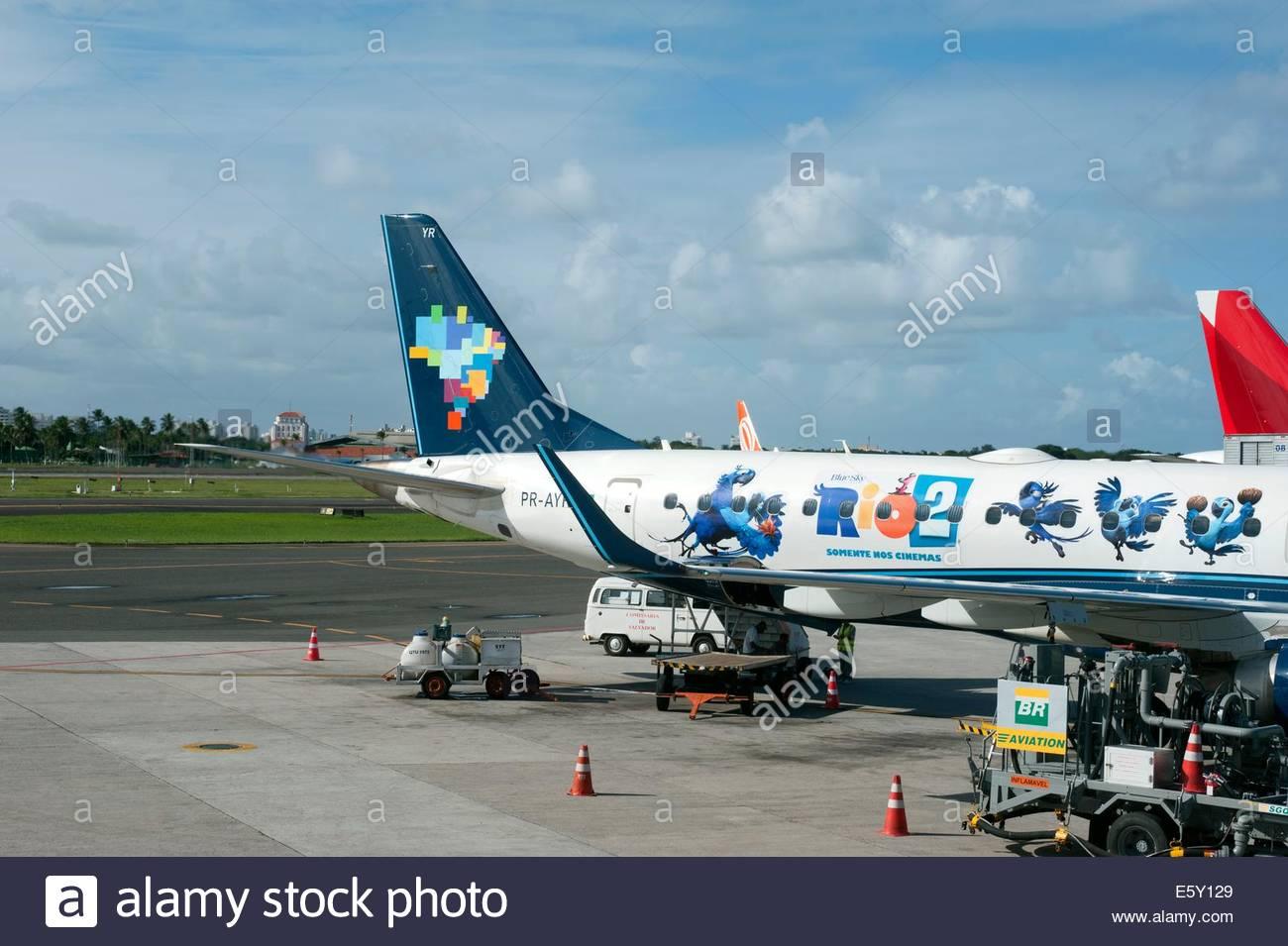 Aeroporto Internacional de Salvador - Dep. Luís Eduardo Magalhães , Brazil  AZUL LINHAS AÉREAS Embraer - Stock Image