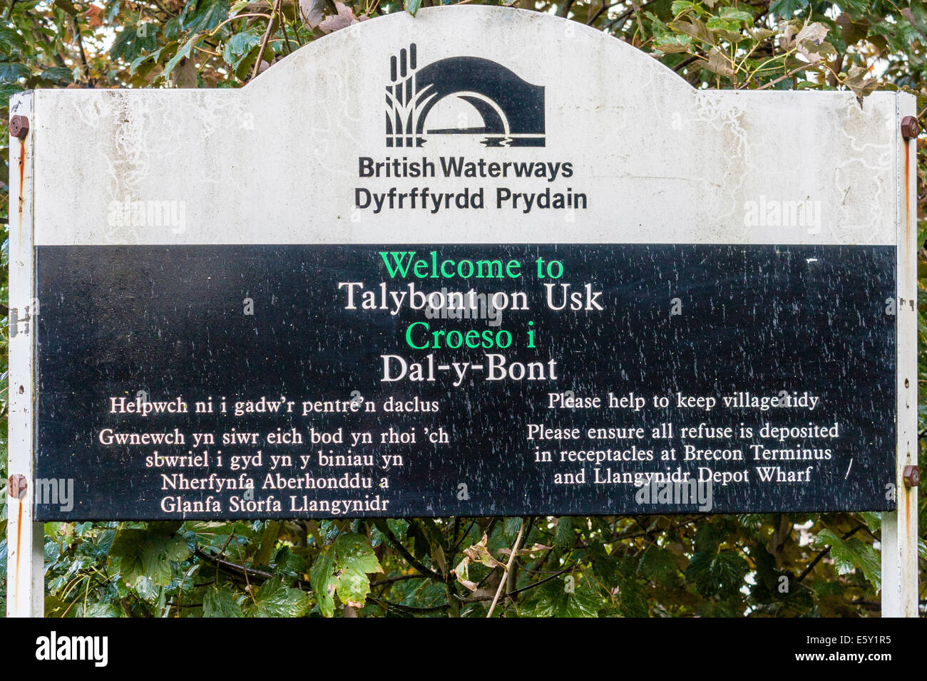 British Waterways sign: 'Welcome to Talybont on Usk'. Talybont-on-Usk, Powys, Wales, GB, UK. - Stock Image