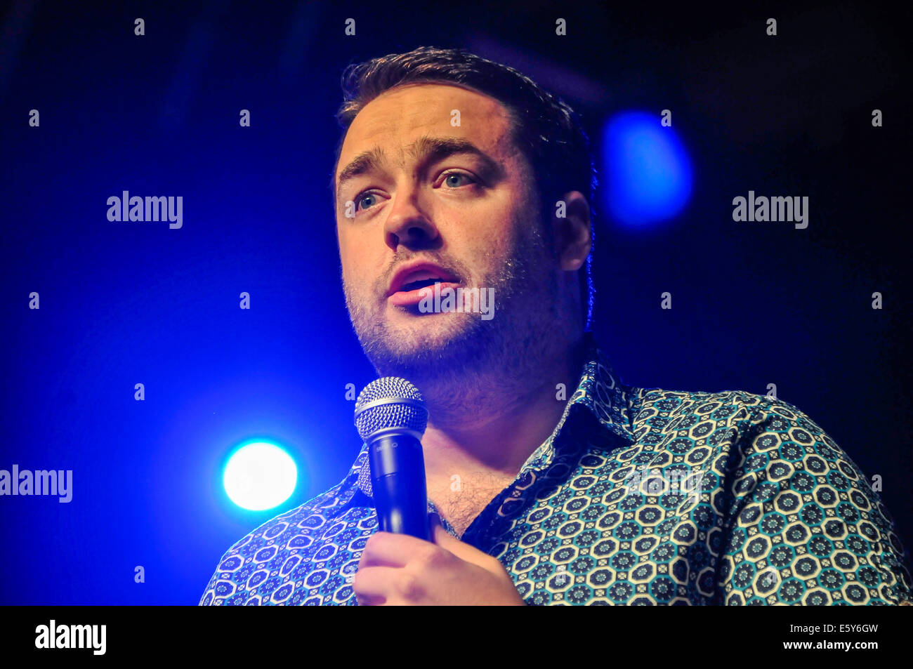 Belfast, Northern Ireland. 7 Aug 2014 - Mancunian Jason Manford performs at Stand-up Comedy night, Feile an Phobail - Stock Image