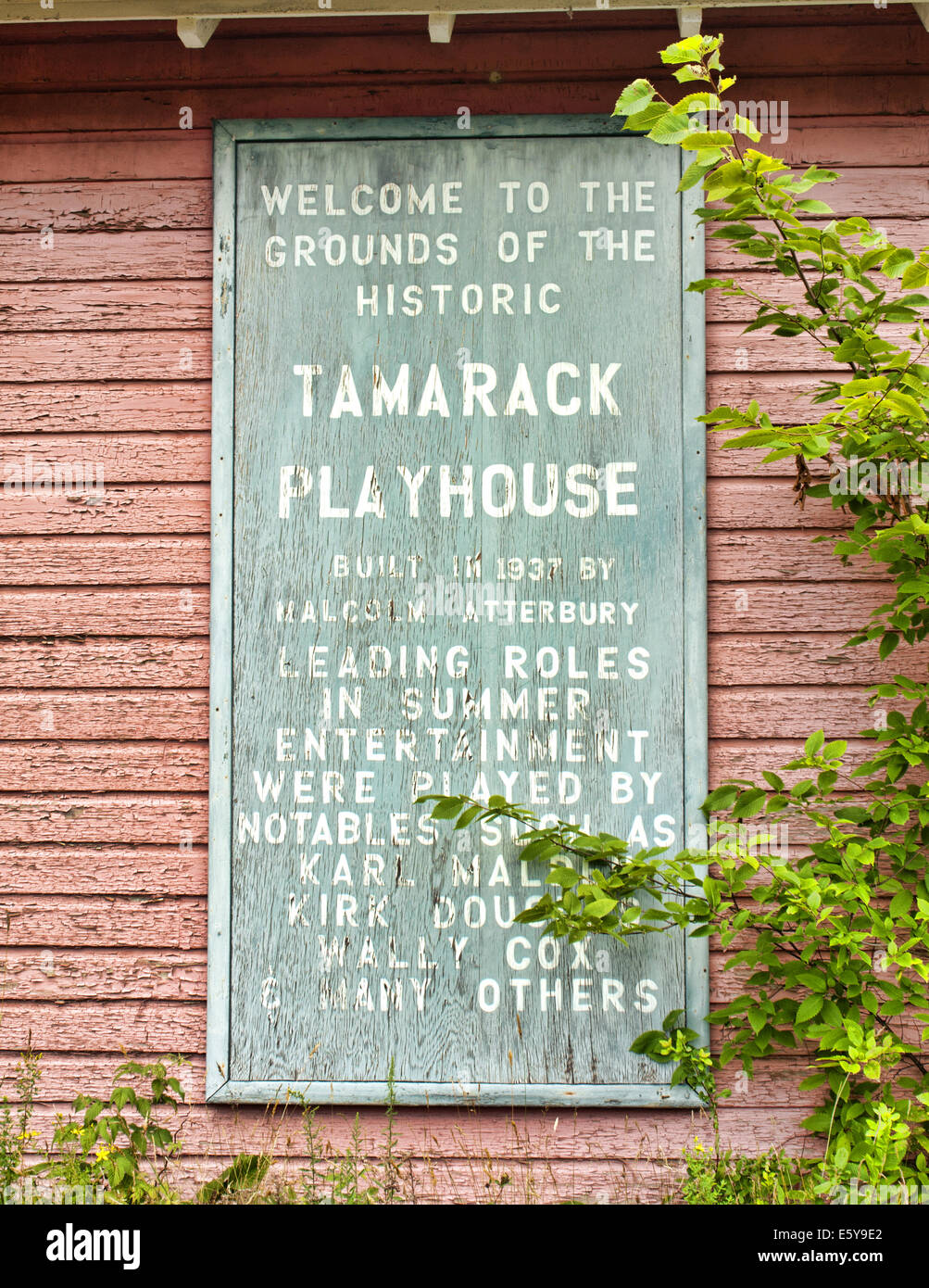 old weathered sign on the exterior of the historic Tamarack Playhouse in Lake Pleasant, New York - Stock Image