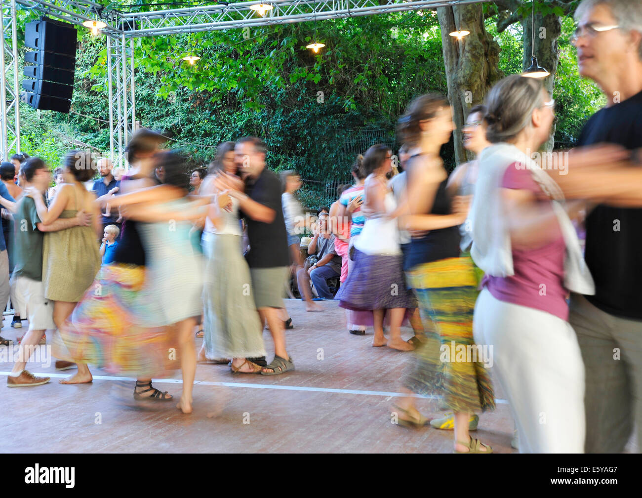 Dancing at the Bouche Oreille music festival in Parthenay Deux-Sevres France - Stock Image