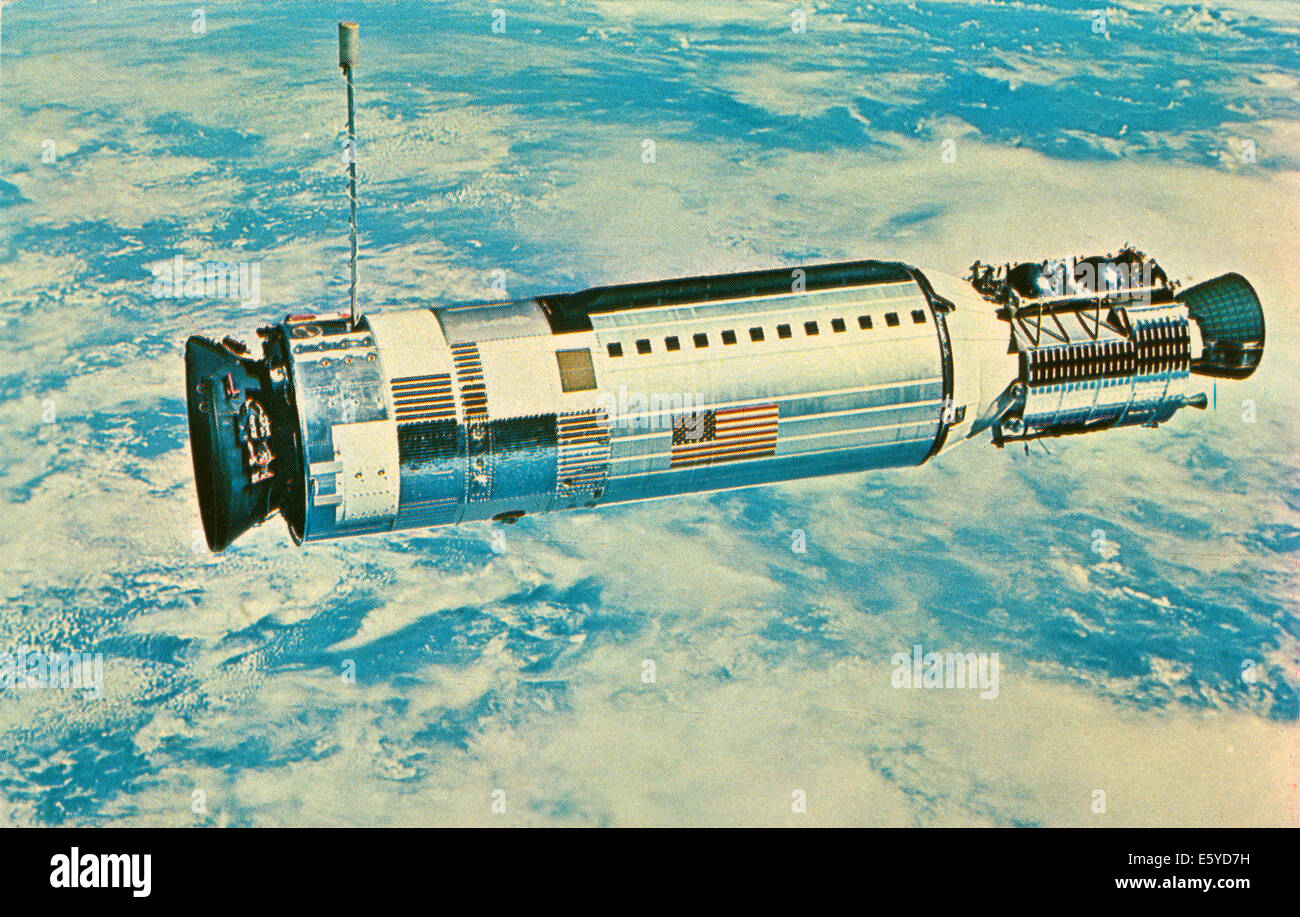Gemini 12 Spacecraft in Orbit with View of Earth, - Stock Image
