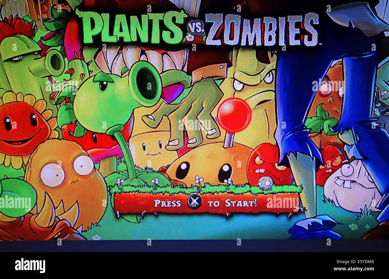 screenshot of Plants vs Zombies computer game - Stock Image