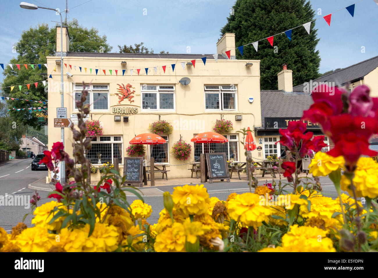 Brains Beer Pub Lewis Arms Tongwynlais - Stock Image