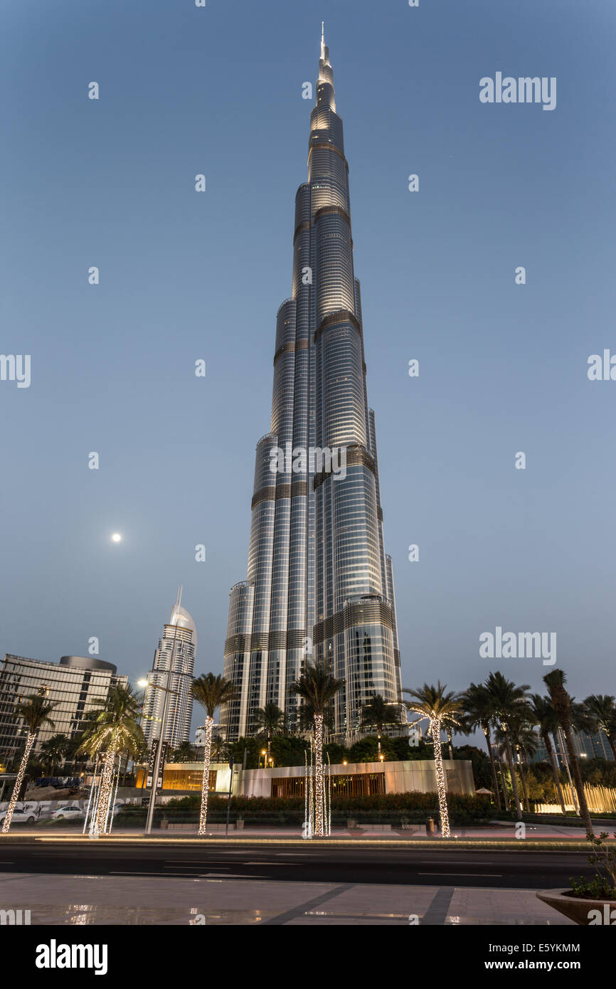Burj Khalifa after dusk - Stock Image