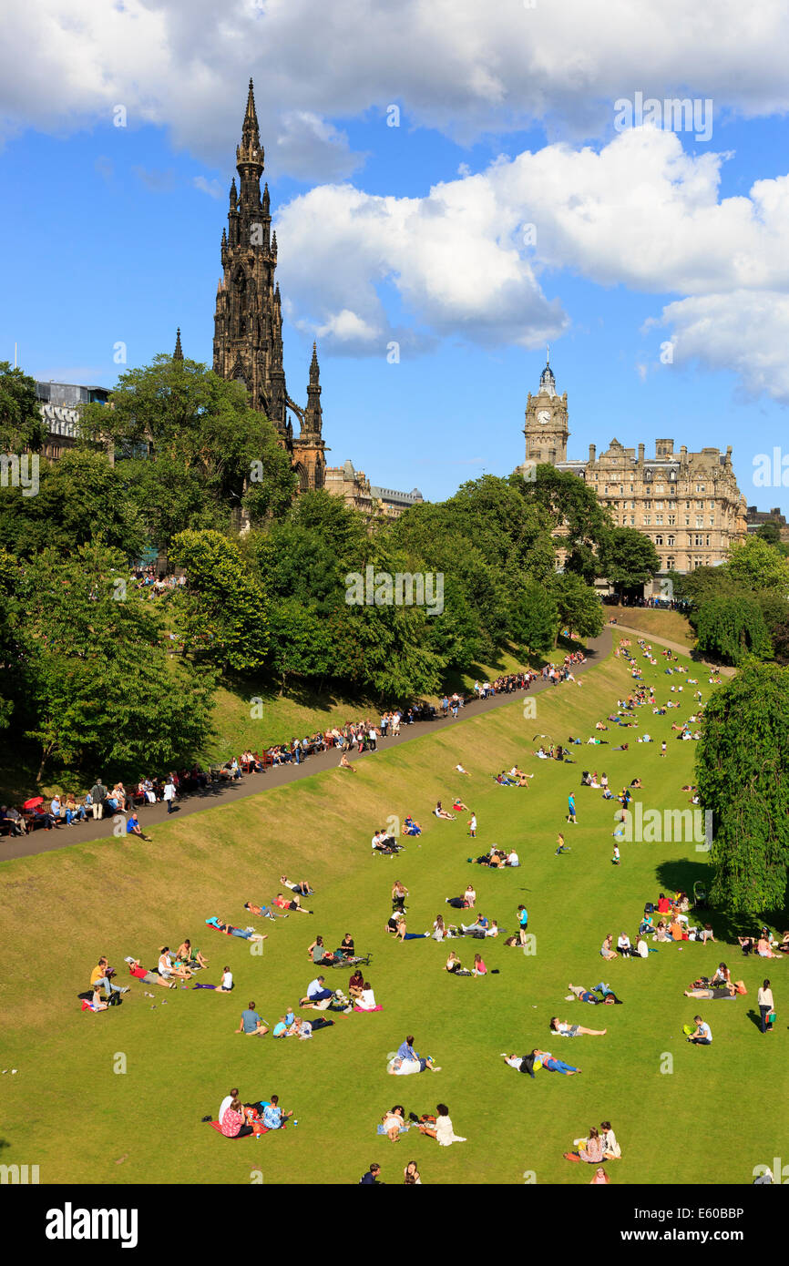 Princes Street Gardens with the Scott monument, Edinburgh, Scotland, UK - Stock Image