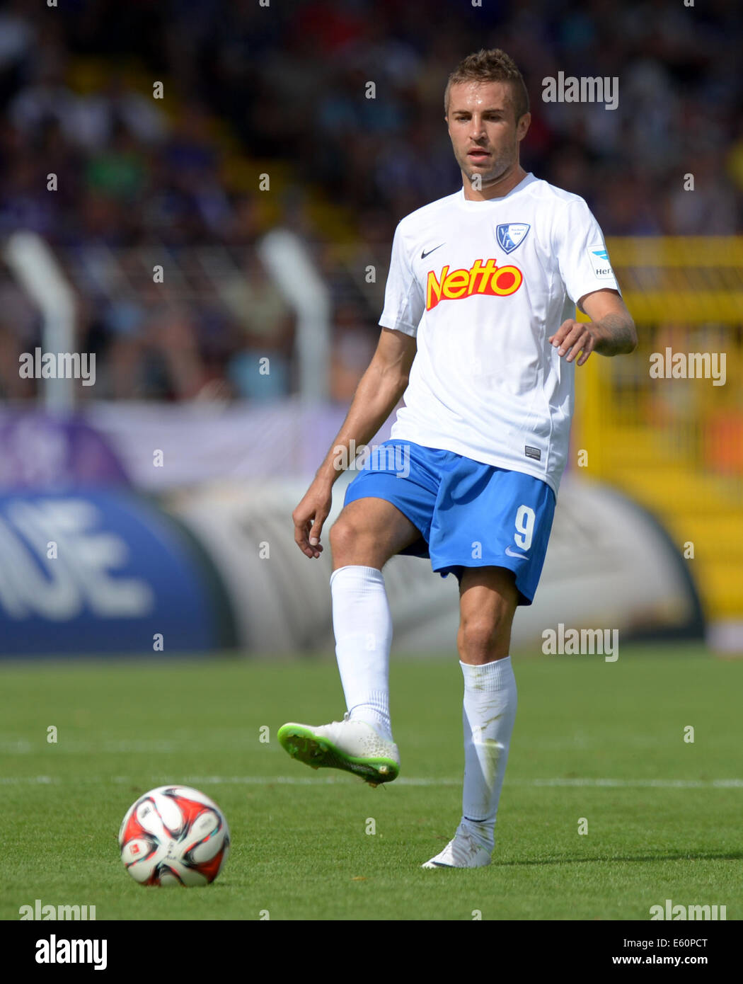 Aue, Germany. 09th Aug, 2014. Bochum's Stanislav Sestak vies for the ball during the German second league soccer - Stock Image