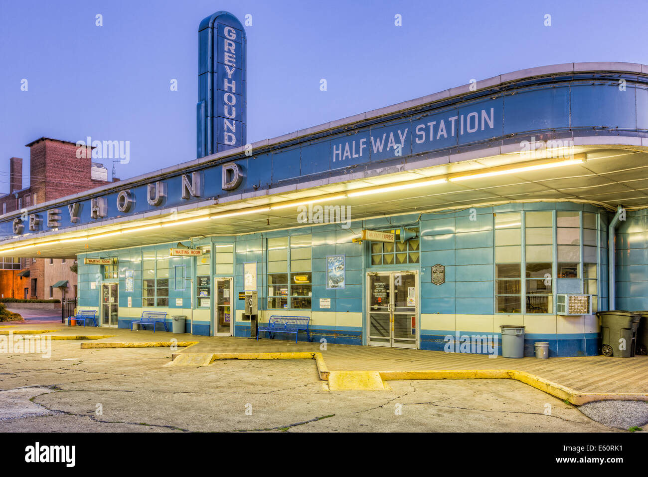 Greyhound Bus Station High Resolution Stock Photography And Images Alamy