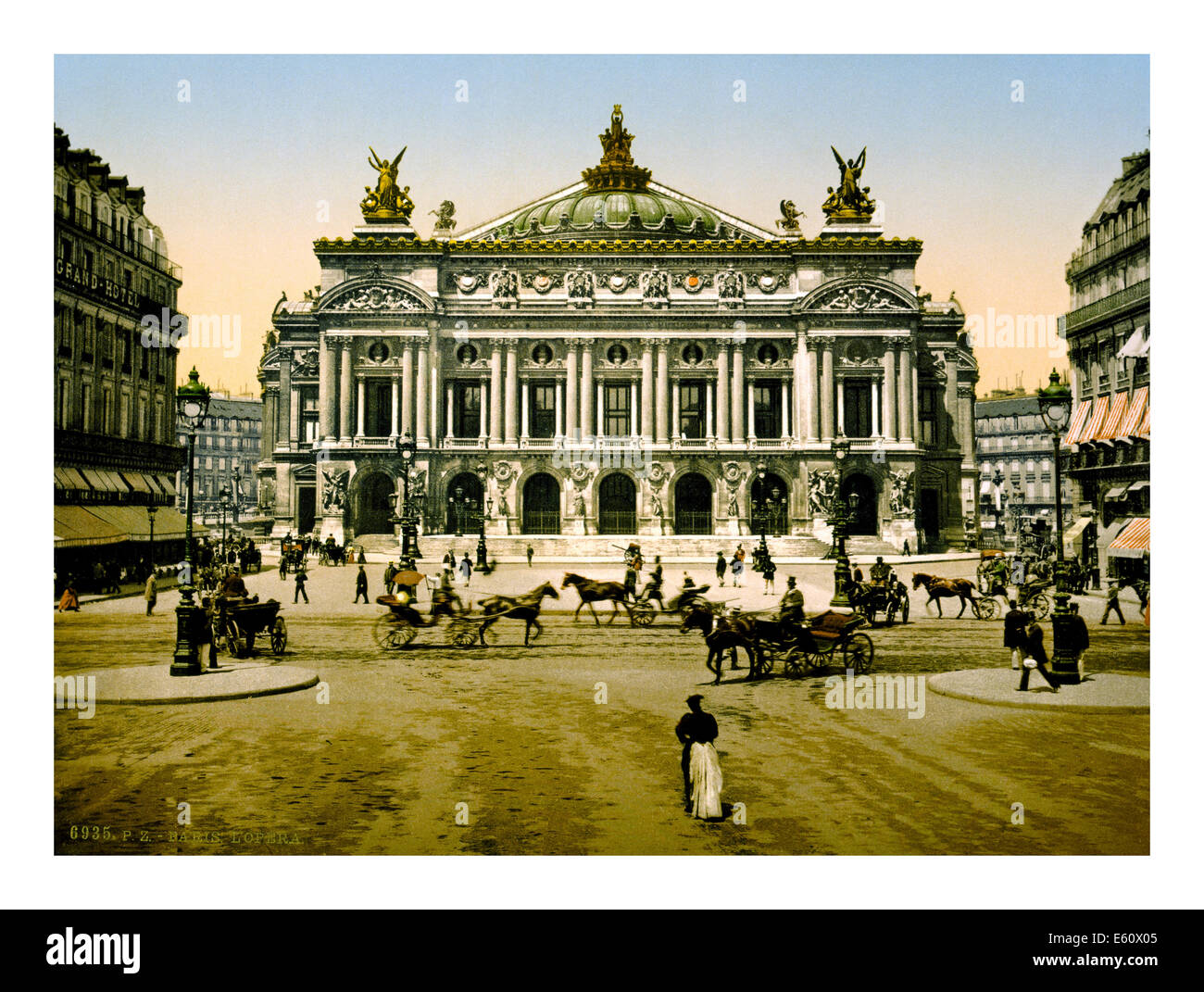 900's Paris Opera hand coloured B&W vintage photograph from a postcard - Stock Image