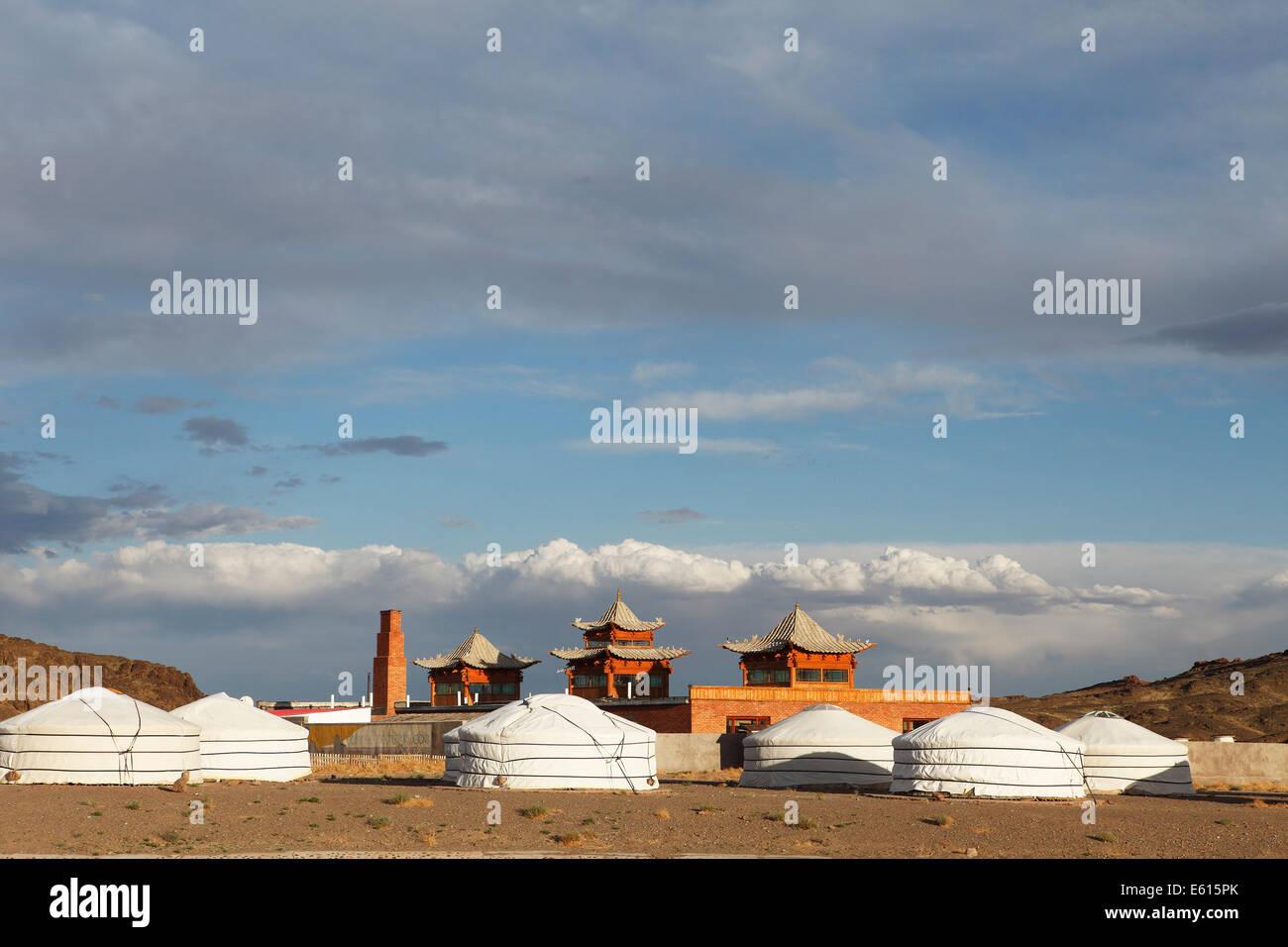 Yurt camp at the Ongi Khiid Monastery, Ongi river valley, Central Desert, Dundgovi Province, Mongolia - Stock Image