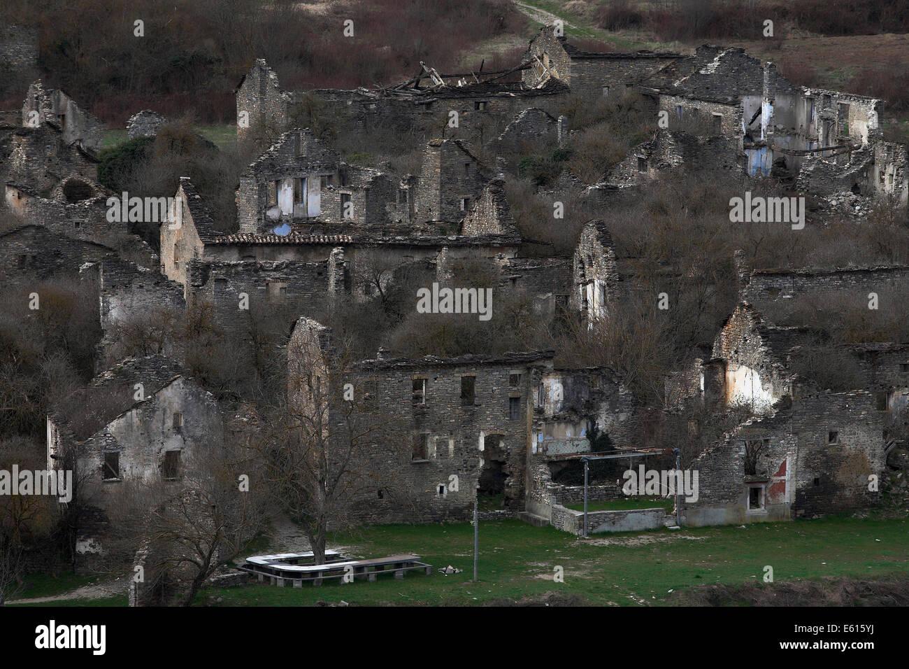 Abandoned village of Jánovas, evacuated by dictator Franco, Pyrenees, Spain - Stock Image
