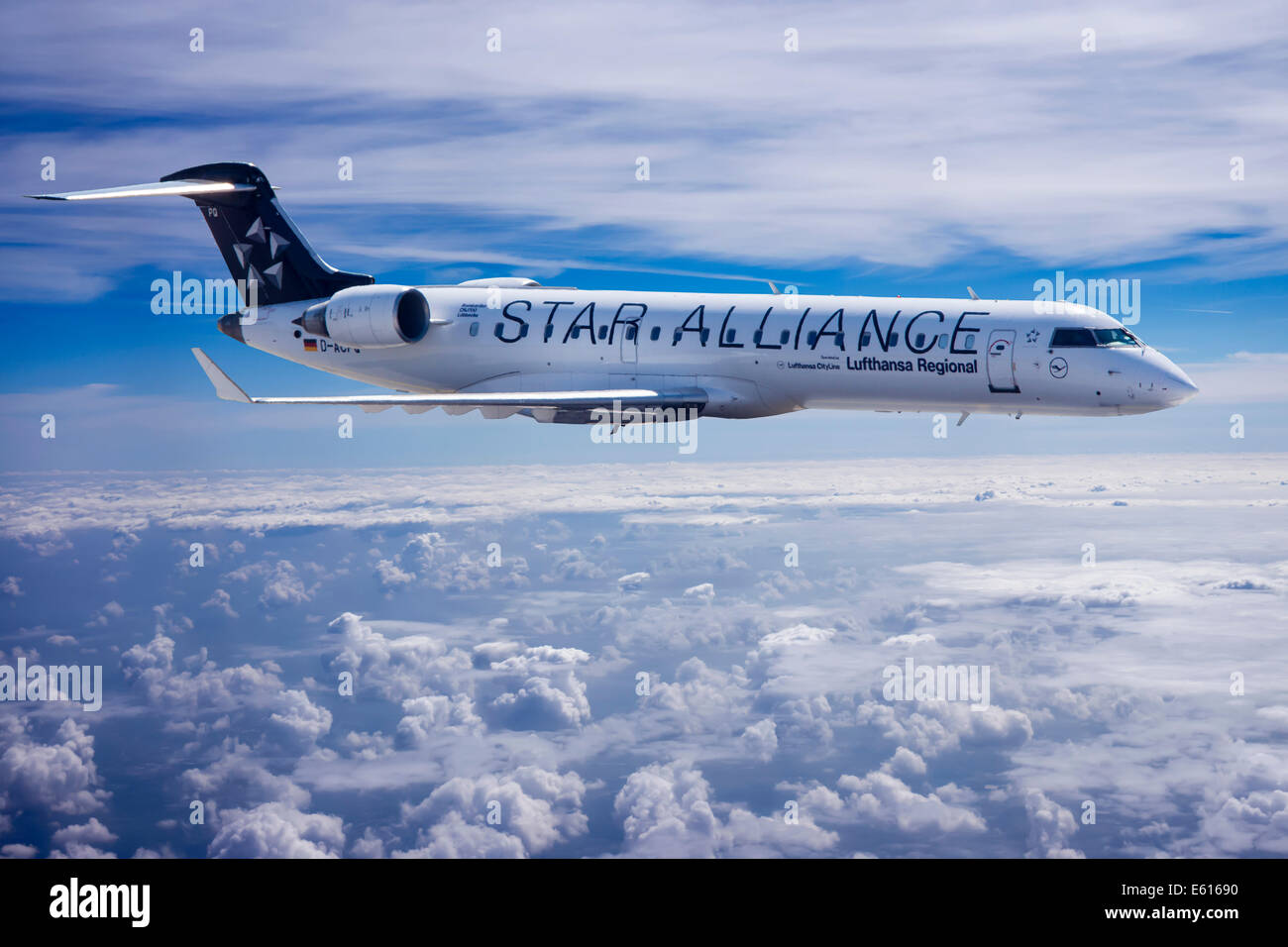 Star Alliance, Bombardier CRJ 700 aircraft, in flight Stock