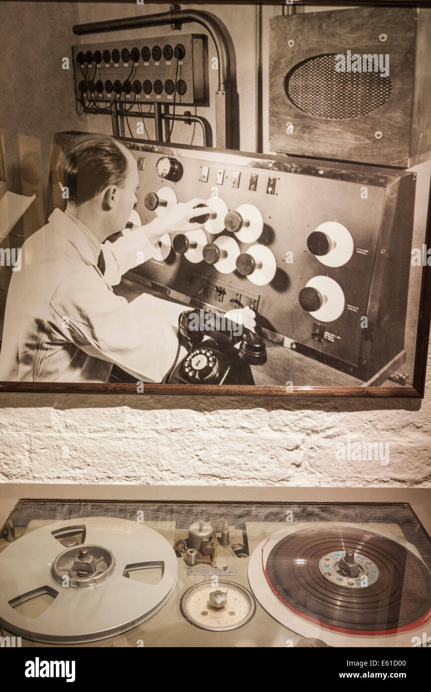 Liverpool, Albert Dock, The Beatles Story, Exhibit of Tape Recording Deck  Used at Abbey Road Studios in the 1950s - Stock Image