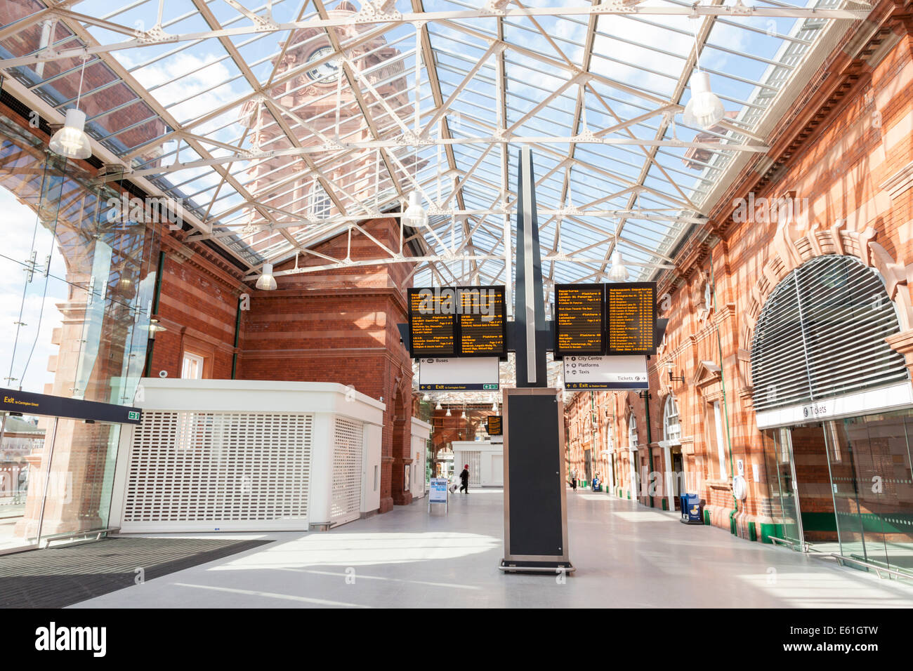 Interior of Nottingham Railway Station, concourse and glass roof, after the redevelopment ending March 2014, Nottingham, - Stock Image