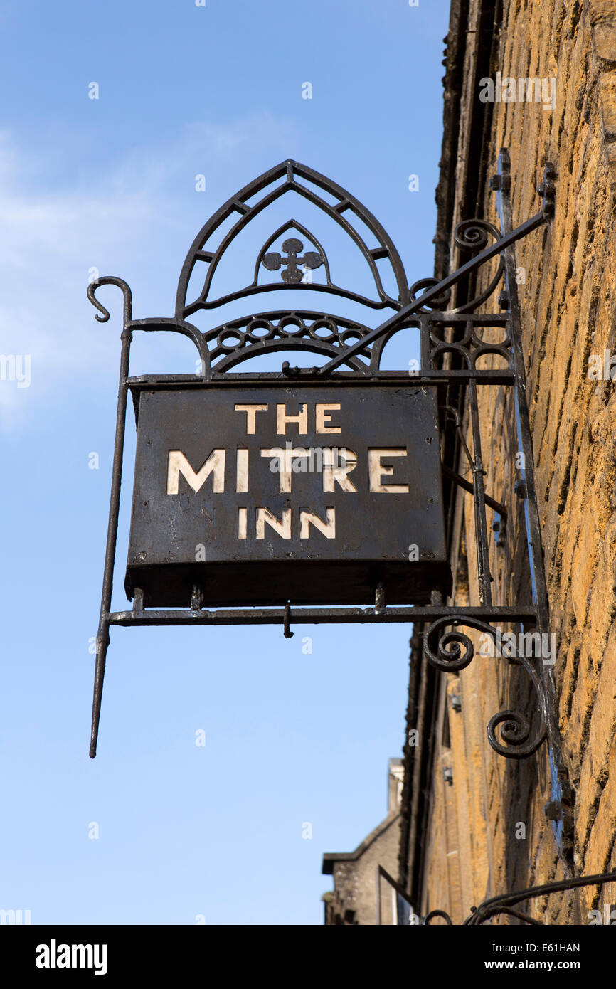 UK England, Dorset, Shaftesbury, High Street, Mitre Inn Sign - Stock Image