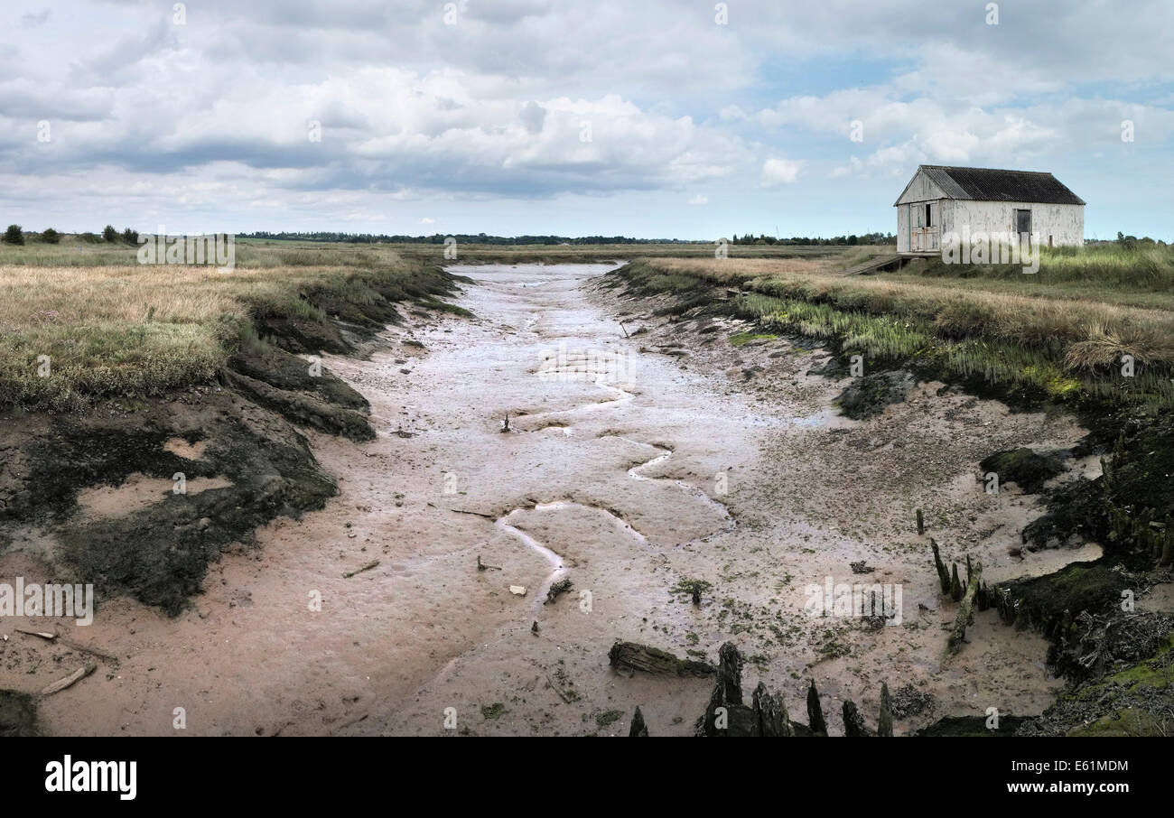 An old shed on Wallasea Island in Essex. - Stock Image