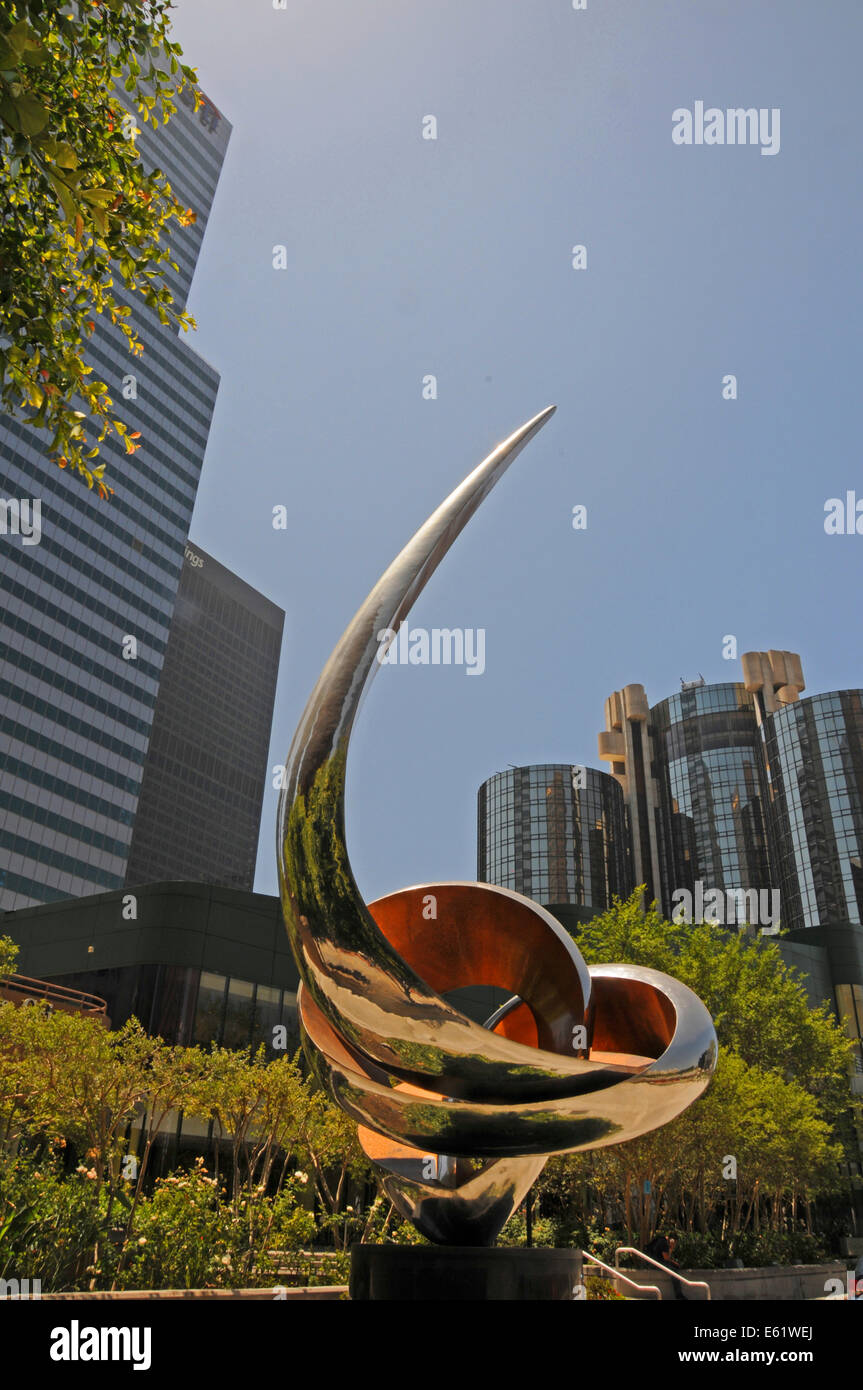 Gidon Graetz sculpture in Downtown Los Angeles with office buildings of Bank of America - Stock Image