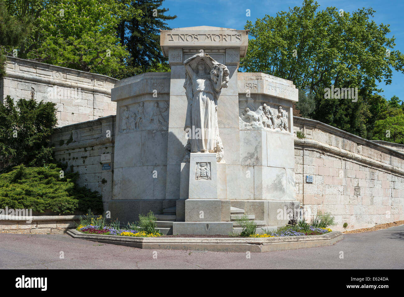 Monument to the dead of the wars in the 20th century, public garden on the Rocher des Domes rock, Avignon - Stock Image