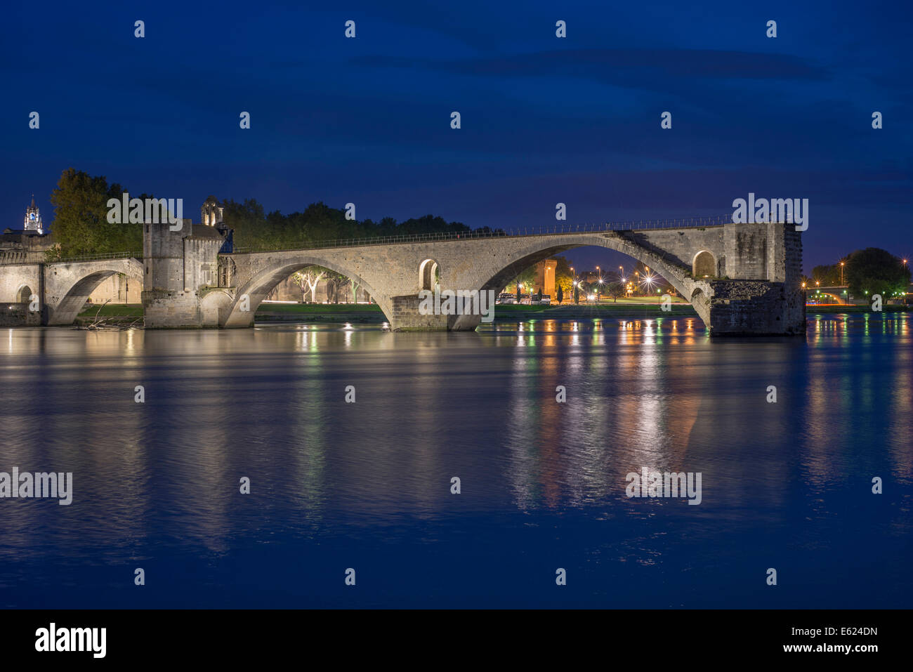 Rhône with the Pont Saint-Bénézet bridge, also known as Pont d'Avignon, at night, Avignon, Provence - Stock Image