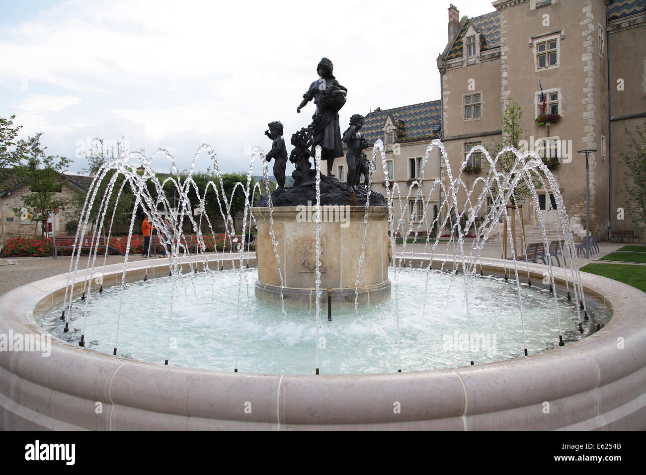 Water fountain Hotel de Ville at Meursault commune in the Côte-d'Or department in Bourgogne Burgundy - Stock Image