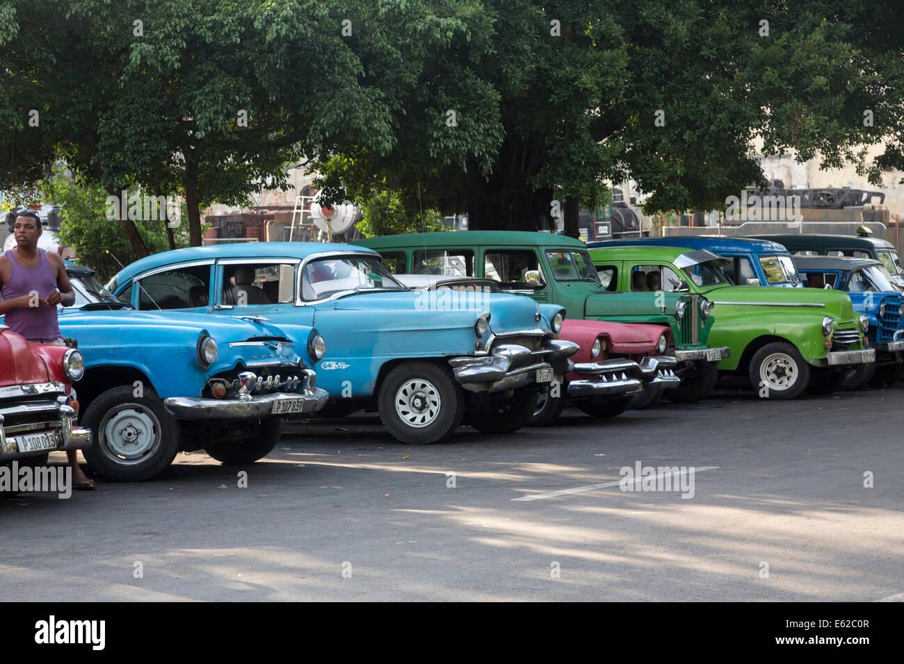 old 1950s cars, Havana, Cuba Stock Photo: 72582743 - Alamy