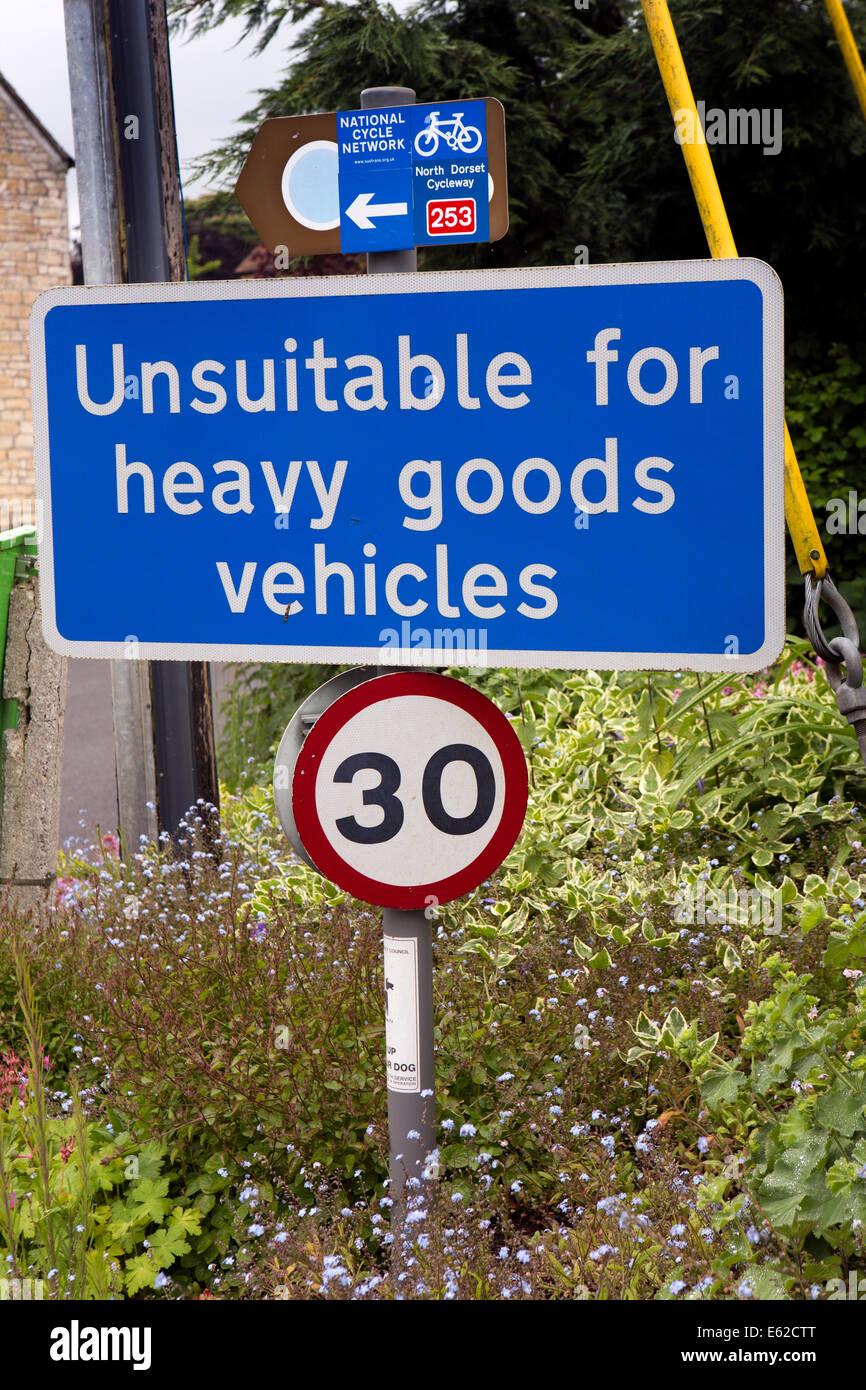 UK England, Dorset, Marnhull, Burton Street, unsuitable for heavy goods vehicles sign - Stock Image