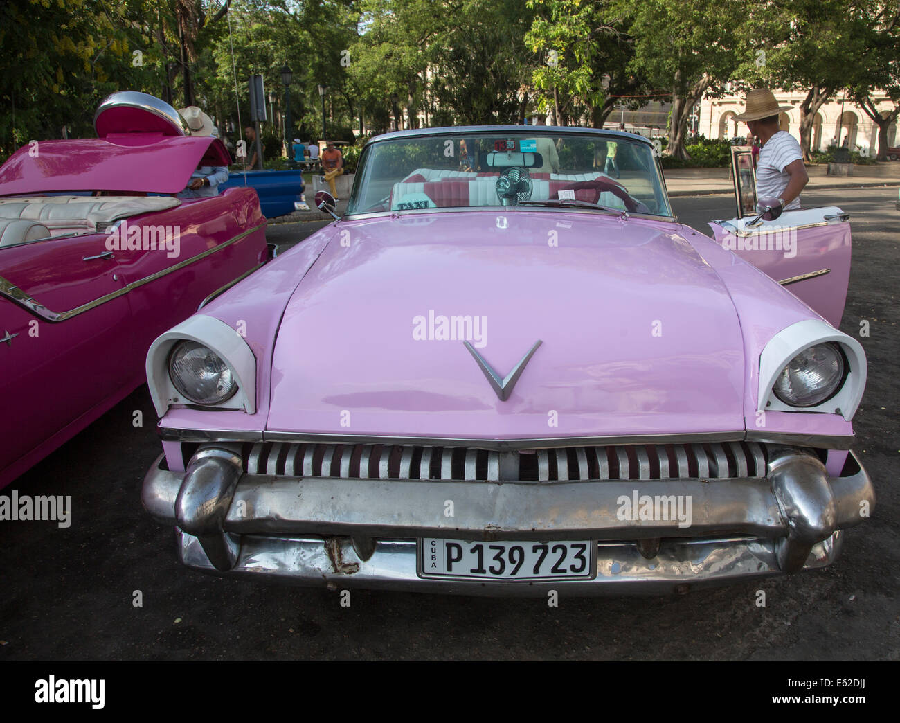 old 1950s convertible car, Havana, Cuba Stock Photo: 72584026 - Alamy