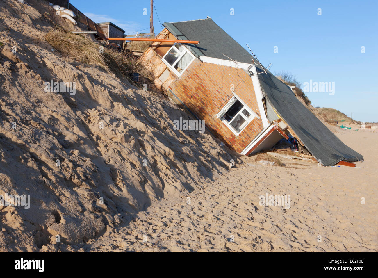 Coastal erosion hemsby norfolk england stock photo 72585086 alamy coastal erosion hemsby norfolk england thecheapjerseys Image collections