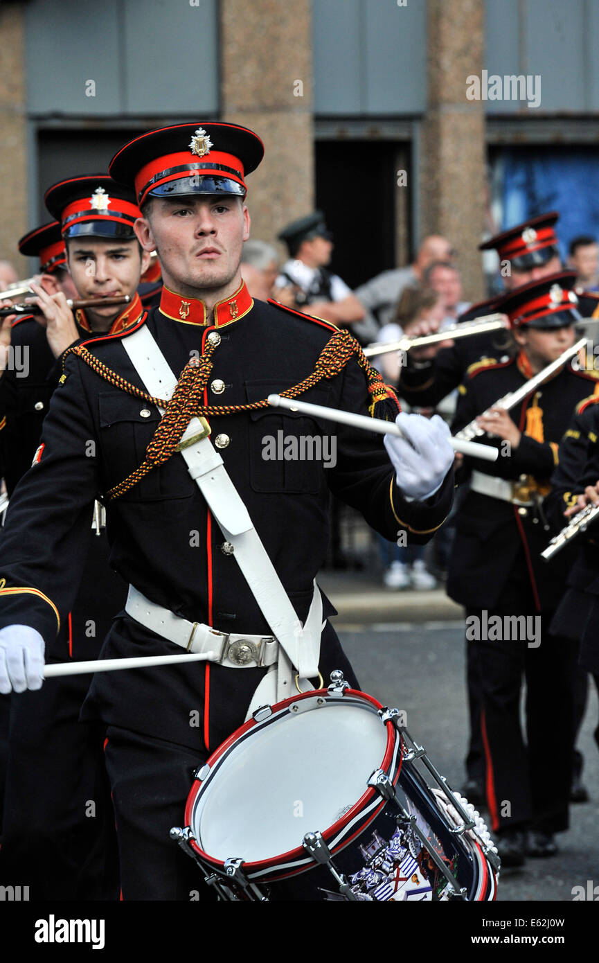 Loyalist band playing at the annual Apprentice Boys of Derry parade in Londonderry. - Stock Image