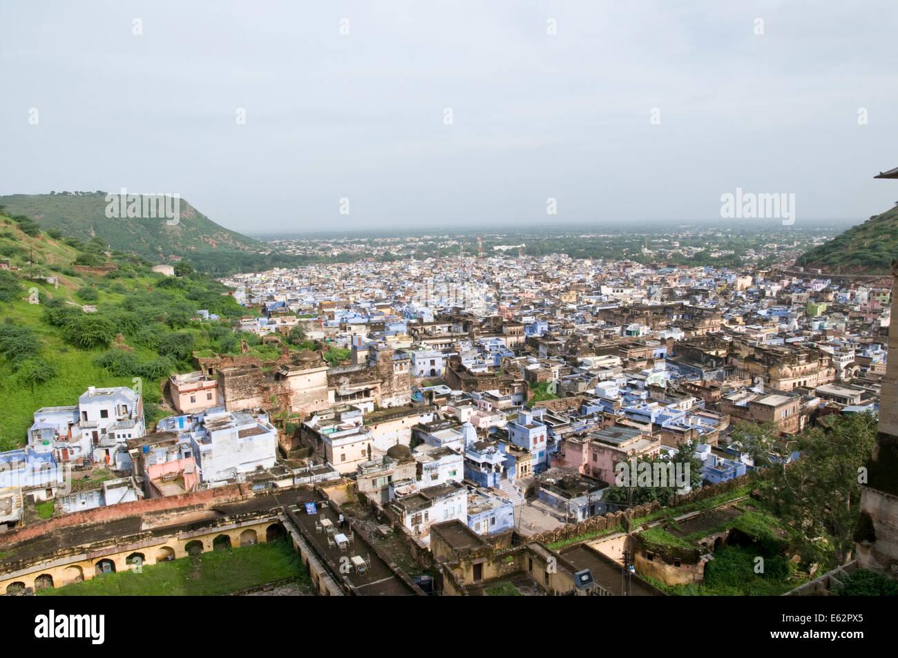 View across the town of Bundi, Rajasthan. - Stock Image