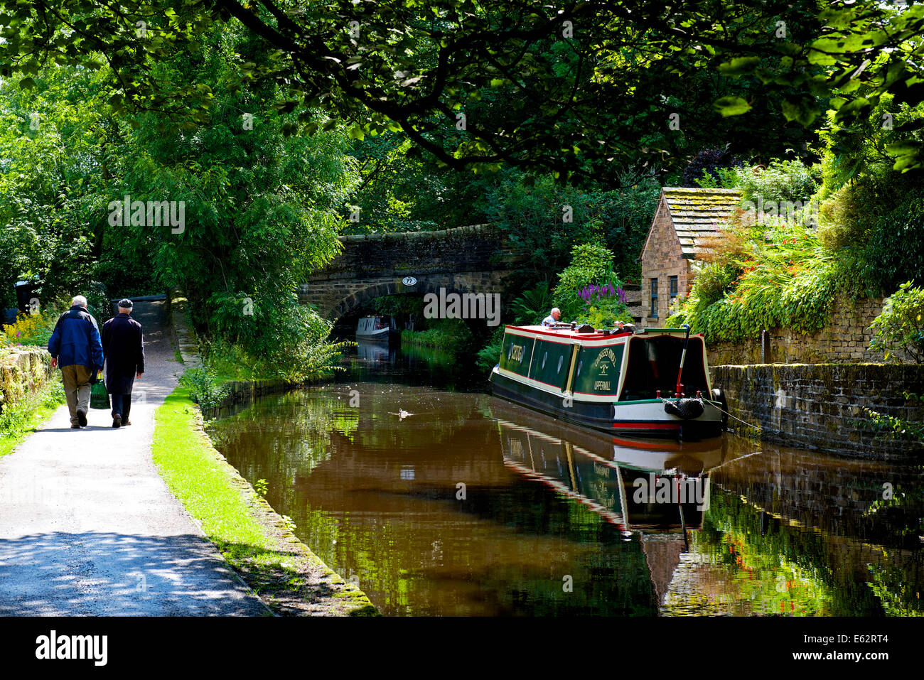 The Huddersfield Narrow Canal at Uppermill, Saddleworth, West Yorkshire, England UK - Stock Image