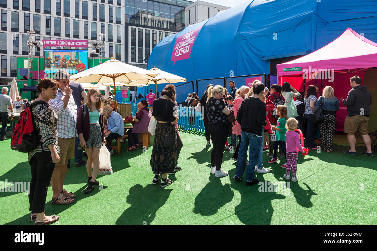 People relaxing and queueing in the BBC@Potterrow venue, Edinburgh Festival Fringe. Shows are broadcast from the - Stock Image