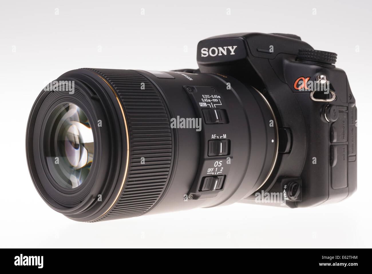 DSLR camera zoom lens design.  Sigma optically stabilised 105mm macro close focusing lens, Stock Photo
